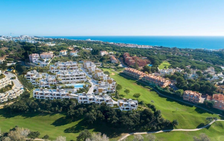 Artola Homes– ს აქვს იდილიური ადგილი, მარბელაში, კაბოპინო გოლფის კურსის წინა ხაზზე. გარდა ამისა, თქვენ გაქვთ მეტი 70 გოლფის კურსები Costa del Sol- ის გასწვრივ, შესანიშნავი სტრუქტურით და იდეალური კლიმატით, გარდა ამისა, საერთაშორისო სკოლები, ჯანმრთელობის ცენტრები და სავაჭრო ცენტრები.